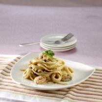JAPANESE SEAFOOD PASTA http://www.sajiansedap.com/mobile/detail/1235/japanese-seafood-pasta