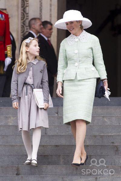 Margarita Elizabeth Rose Alleyne Armstrong-Jones (born 14 May 2002) is the only daughter of Viscount and Viscountess Linley. Description from quazoo.com. I searched for this on bing.com/images