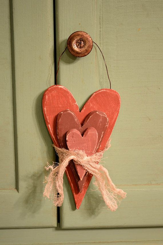 Primitive Stacked Hanging Hearts by BishopsHollow on Etsy, $6.00  Valentines Day decor