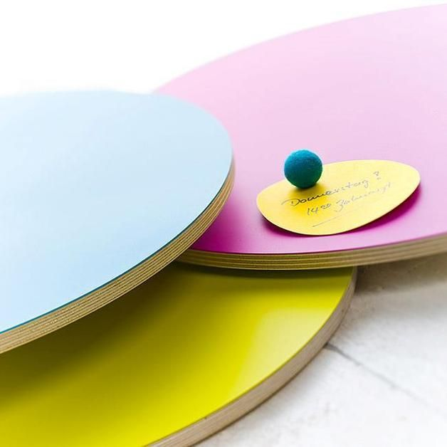 Magnetwände - Magnettafel Rund in verschiedenen Farben - ein Designerstück von haftbar-magnete bei DaWanda