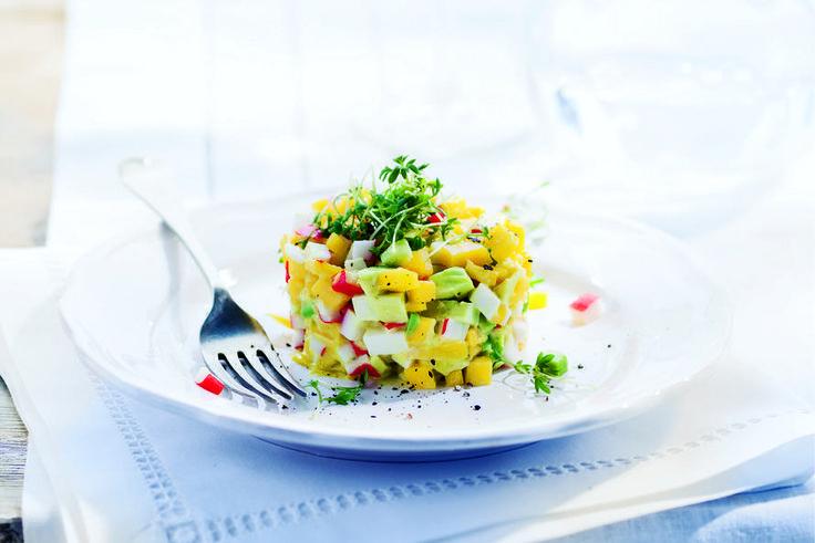 Kijk wat een lekker recept ik heb gevonden op Allerhande! Krabtartaar met avocado en mango