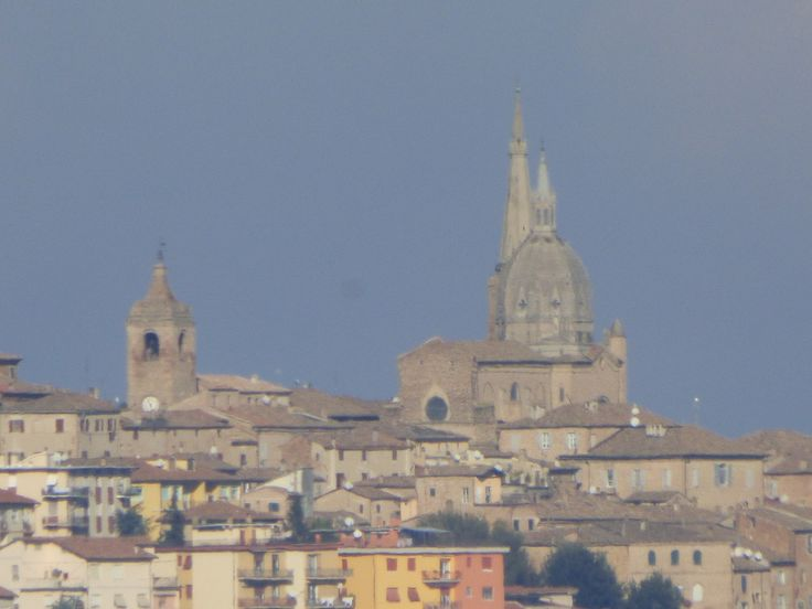 (will ask Daniele what this is. he has taken several photos from Serra de' Conti towards the sorrounding areas.)