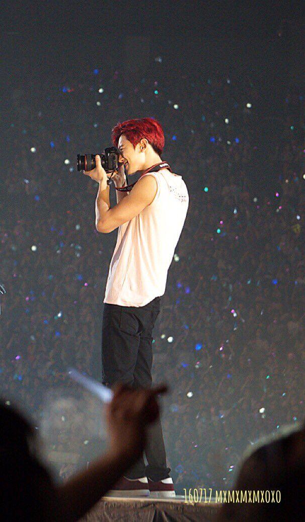 Chanyeol - 160717 SMTown Live World Tour V in Osaka Credit: mxmxmxmxoxo.