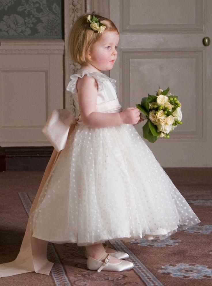 30 Amazing Princess Looking Wedding Flower Girl Dresses