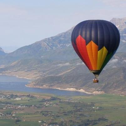 Feeling adventurous? We can arrange any outing that you would like - from balloon trips to crocodile cage diving to serene tours around the Garden Route. Call Jauckie on 044 690 8150 for more info