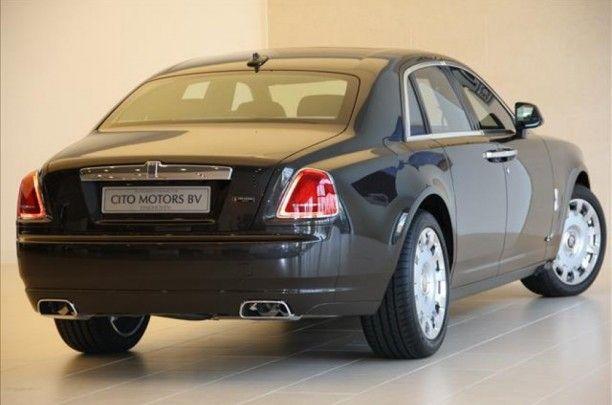 Technische specs   Aantal cilinders 12   Cilinderinhoud 6592   Vermogen 420 kw / 571 pk    Gewicht 2335KG   Carrosserie Sedan