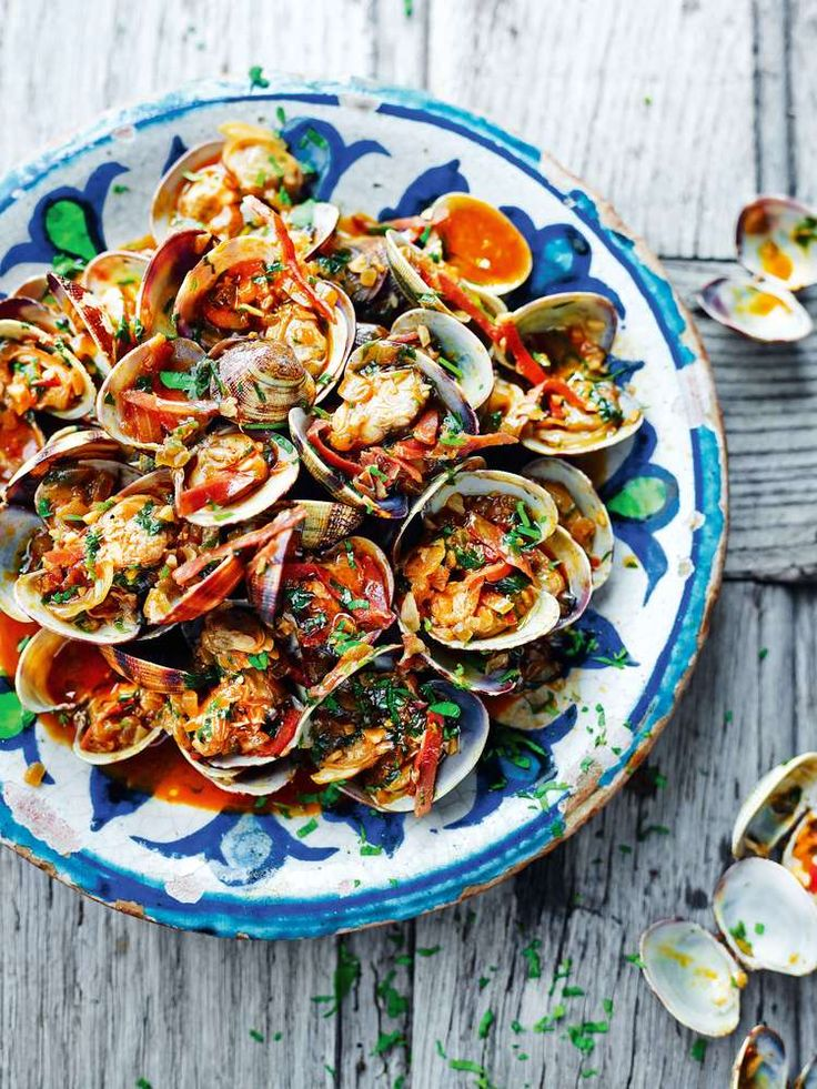 Clams with Sherry and Serrano Ham