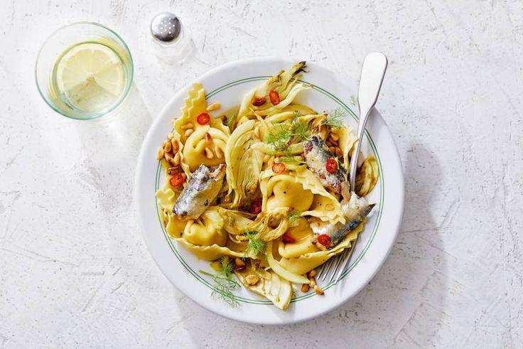 Wist je dat sardines en venkel heel goed samen gaan? Met tortelloni gevuld met buffelricotta erbij is het feest compleet. - recept - Allerhande