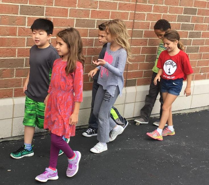 """Do you have easily distracted kids with a bad case of """"the wiggles""""? There's hope! This teacher came up with a brilliant, simple idea to engage kids and boost reading comprehension. Check it out on the Storyworks Ideabook!"""
