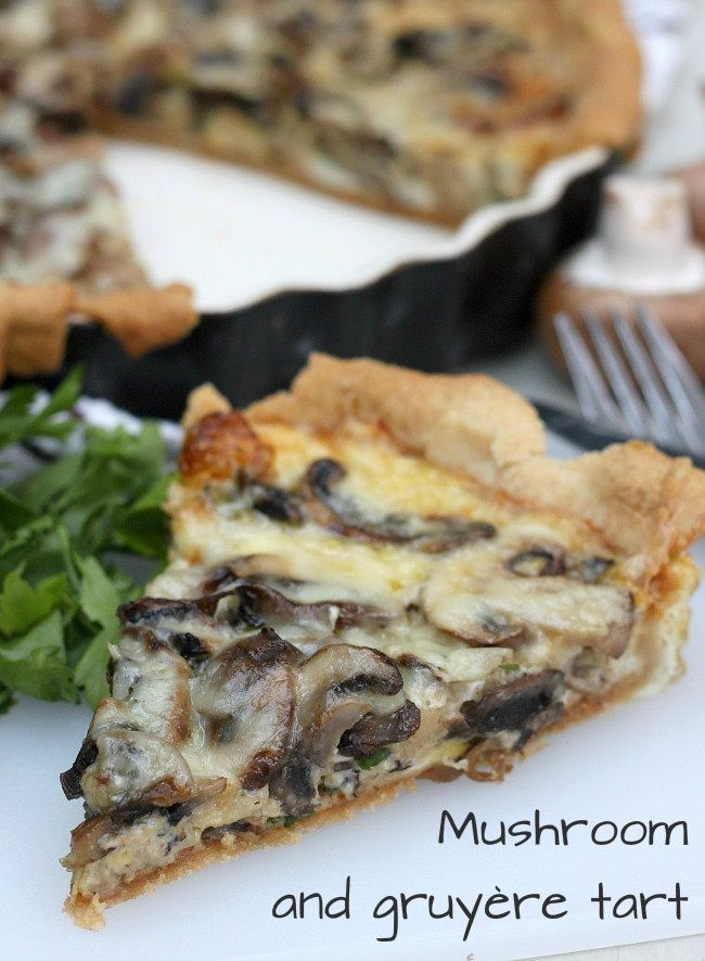 Mushroom and gruyère tart - deliciously decadent! / amuse-your-bouche.com