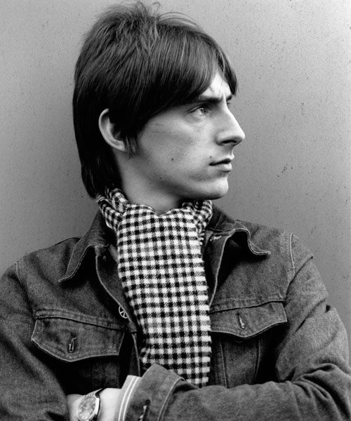 Paul Weller photographed by Erica Echenberg http://www.gettyimages.co.uk/detail/news-photo/paul-weller-of-the-jam-poses-for-portraits-on-the-roof-of-news-photo/85246626