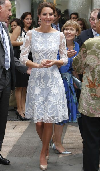 Kate Middleton in blue, lace dress by Alice Temperley. GORGEOUS!!!!!!!!!!!!!!!!!