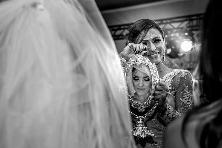 Selectia editorilor in catalogul fotografilor de nunta din Romania. Vezi si alte fotografii de la Mihai Roman!