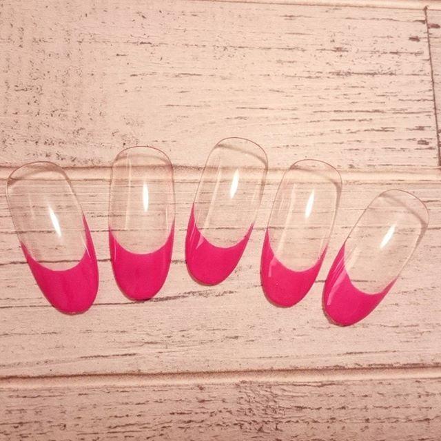 #ジェルネイル#シンプル#ネイル#love #ピンク で#フレンチネイル#ラメラインなし #ネイルデザイン#春ネイル#入学式#美甲#ウェディング#ブライダルネイル#和装#大人ネイル#上品#個性派 も#オフィスネイル#ショートネイル#セルフネイル#埼玉#川越#pink#gelnail#nails#art#Japan#beauty