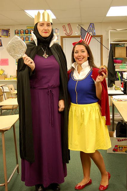 Easy Snow White Costume. Love that these book character DIY halloween costumes for teachers are so easy to put together! Most of these costumes need only two or 3 key pieces to pull off. Wish I thought of these when I was in the classroom!