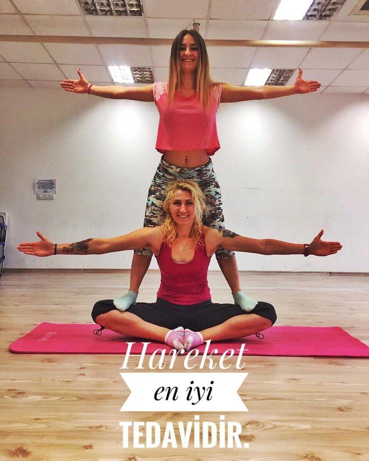 #streching Neden Önemlidir #esneklik yaşam kalitenizi belirleyen önemli öğelerden biridir. #egzersiz sırasında #kas içi kanlanma ve enzim aktivitesi artar egzersiz sonrası yapılmayan her streching çalışması var olan esnekliğinizi olumsuz  etkileyecek. Salınan #laktikasit in vücuda olumsuz etkilerini egzersiz sonu yapacağınız kas esnetme hareketleri ve sonrasında gerçekleştireceğiniz #dinlenme ile minimuma indirebilirsiniz.