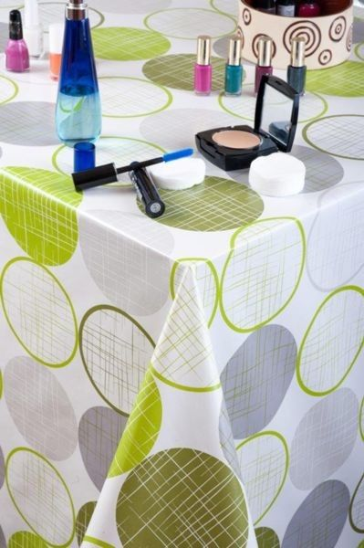 Ubrus PVC s textilním podkladem 5730120, zelená kola, š.140cm (metráž) | Internetový obchod Chci POVLEČENÍ.cz