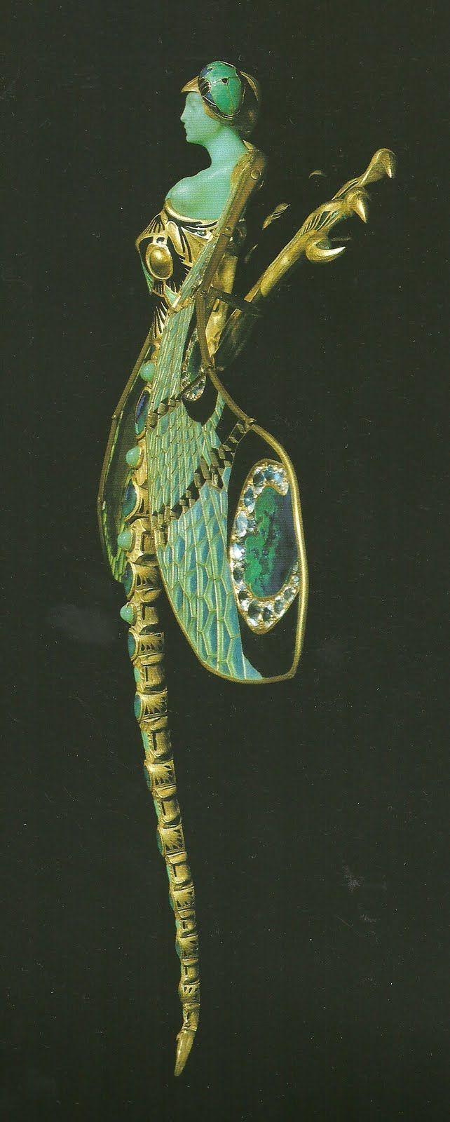 ☆ René Lalique Dragonfly Woman Corsage Ornament Pin {1897–1898} Gold, Enamel, Chrysoprase, Moonstones, and Damonds. ☆