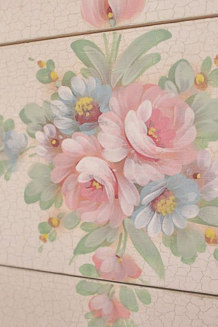 Someday when i get to retire i want to learn how to paint flowers like this! :) love the painted flowers