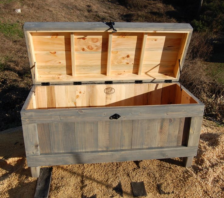 Large Hope Chest/ End of the Bed Bench/ by