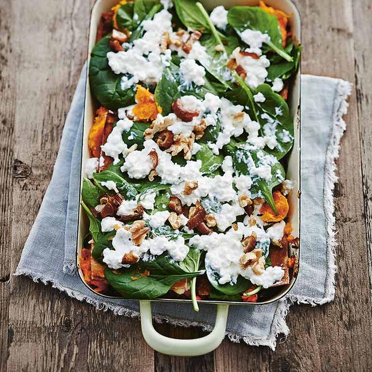 De pompoen en dadels geven dit lasagnegerecht een milde en ietwat zoete smaak waardoor de meeste kids 't lekker vinden. De spinazie zorgt voor de nodige portie groen! Dit recept komt uit het kookboek 'Easy Peasy...