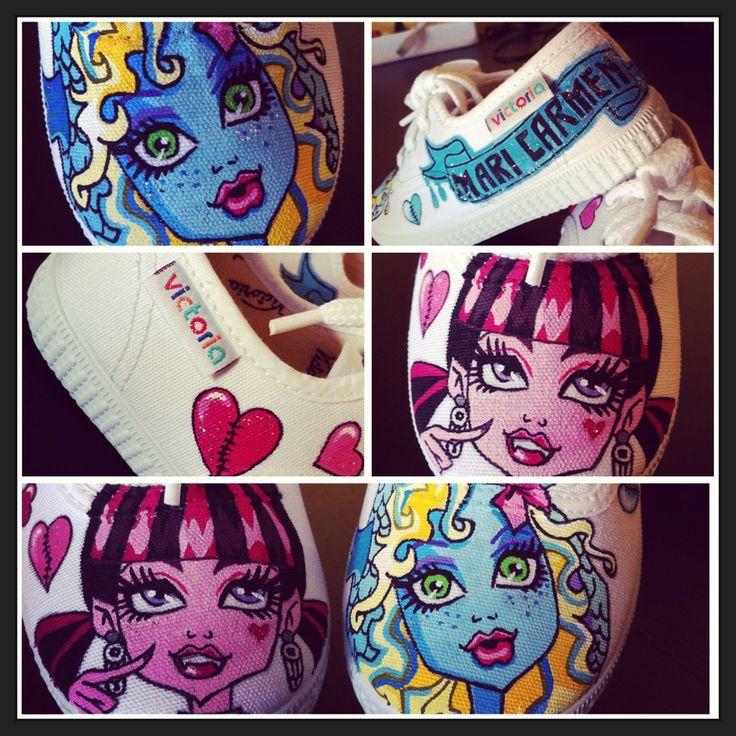 Zapatillas pintadas a mano basadas en personajes creados por el norteamericano Garret Sander y distribuidas por la empresa de juguetes Mattel.