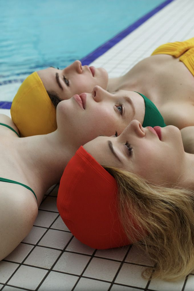 The Swimming Pool - A story by Pictoresq for Eres