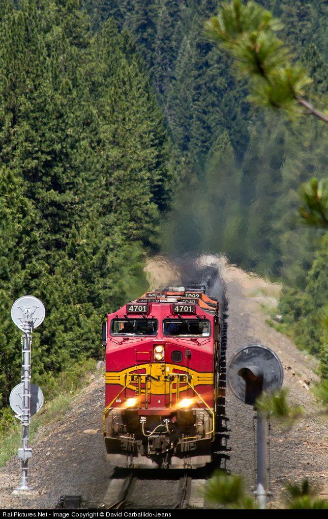RailPictures.Net Photo: BNSF 4701 BNSF Railway GE C44-9W (Dash 9-44CW) at Spring Garden, California by David Carballido-Jeans