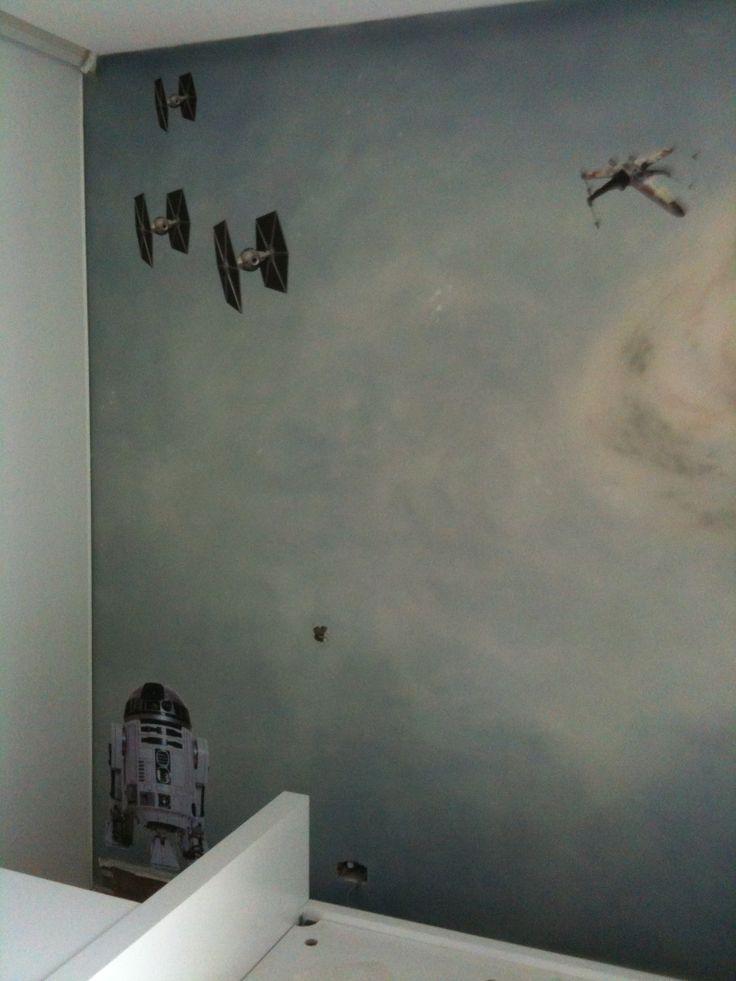 Decoración pared infantil con graficas Star Wars