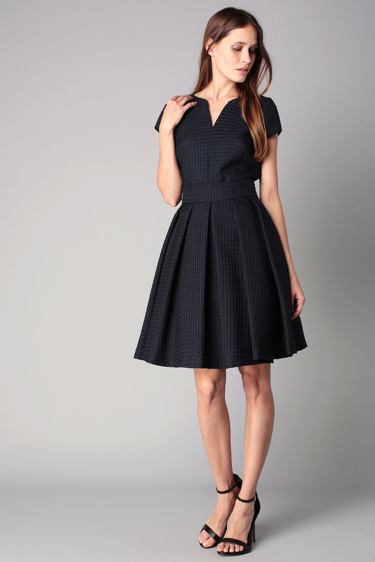 Black dress goals - Jupe Trap Ze Mi Longue Bleue Mati Re Textur E Riviera Top Sin Quanone