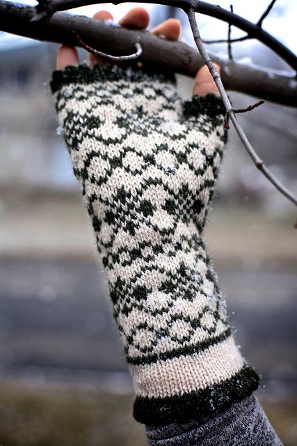 Ravelry: Norwegian Fingerless Mitts pattern by Nicole Clark