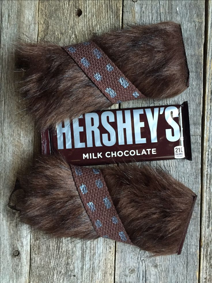 DIY Chewbacca Chocolate Bar party favors. So cute and easy!