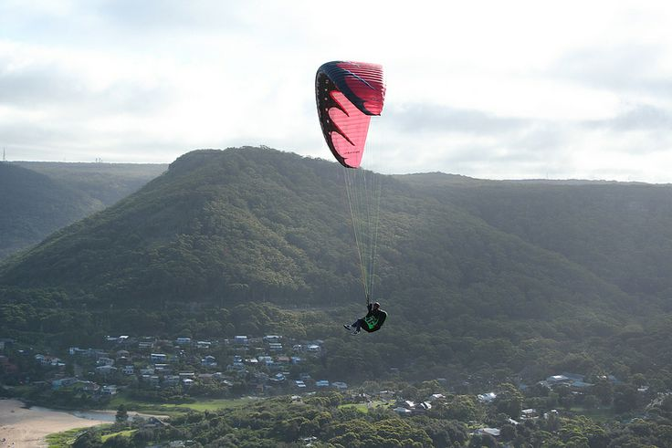 Hang Gliding at Stanwell Tops