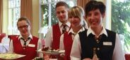 Das Team des relexa hotel Bad Steben sucht Verstärkung! Habt ihr Lust auf eine neue Herausforderung in der Hotellerie und Gastronomie? Dann bewerbt euch jetzt! Wir freuen uns auf euch!