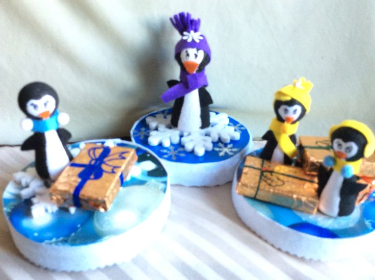 Candy boxes with little penguins