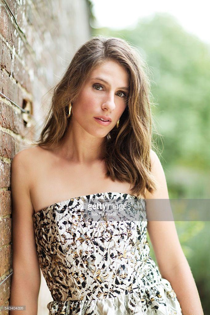 Pretty Ladies Trendy Short Hairstyles 2016: Johanna Konta Is Very Pretty