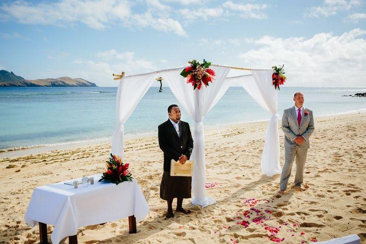 Nisha and Josh – Sheraton Resort and Spa, Tokoriki Island Image by Nadi Bay Photography