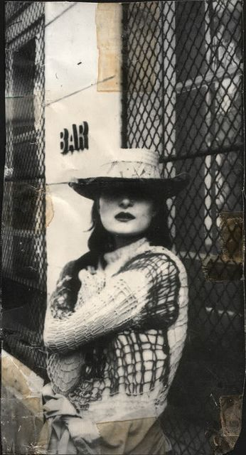 White and black punk knit | Jumper sweater | Hat | Siouxsie