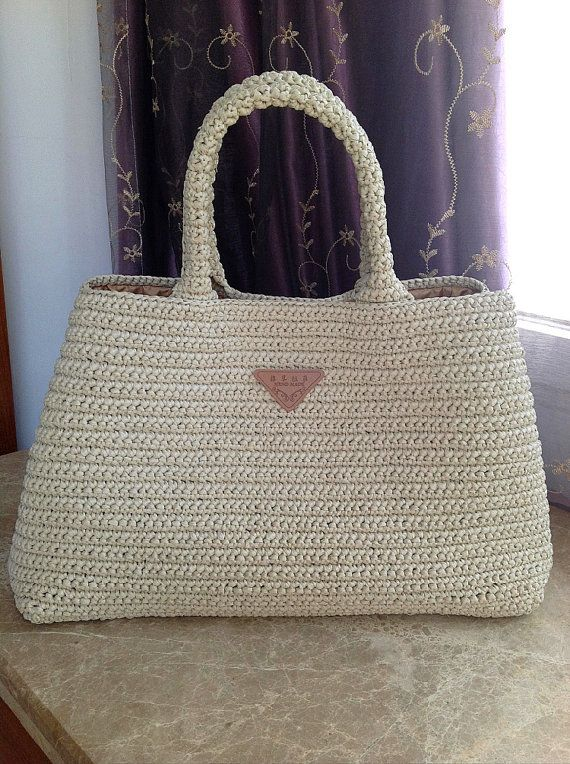 Knitting Bag Pattern Pinterest : Prada style crochet bag, raffia bag, everyday bag, beach bag Proyectos que ...
