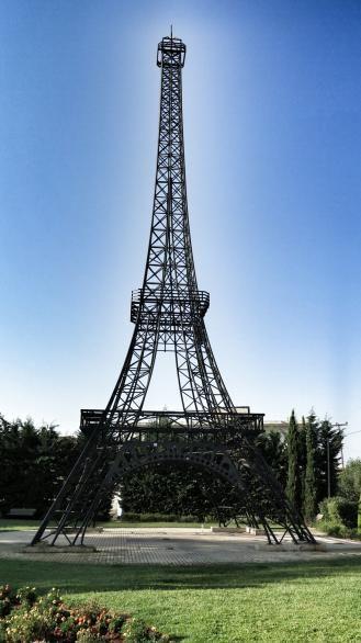 Ο Πύργος του Άιφελ στα Φιλιατρά - ΔΕΙΤΕ ΦΩΤΟΓΡΑΦΙΕΣ - Πολιτισμός - The Best News