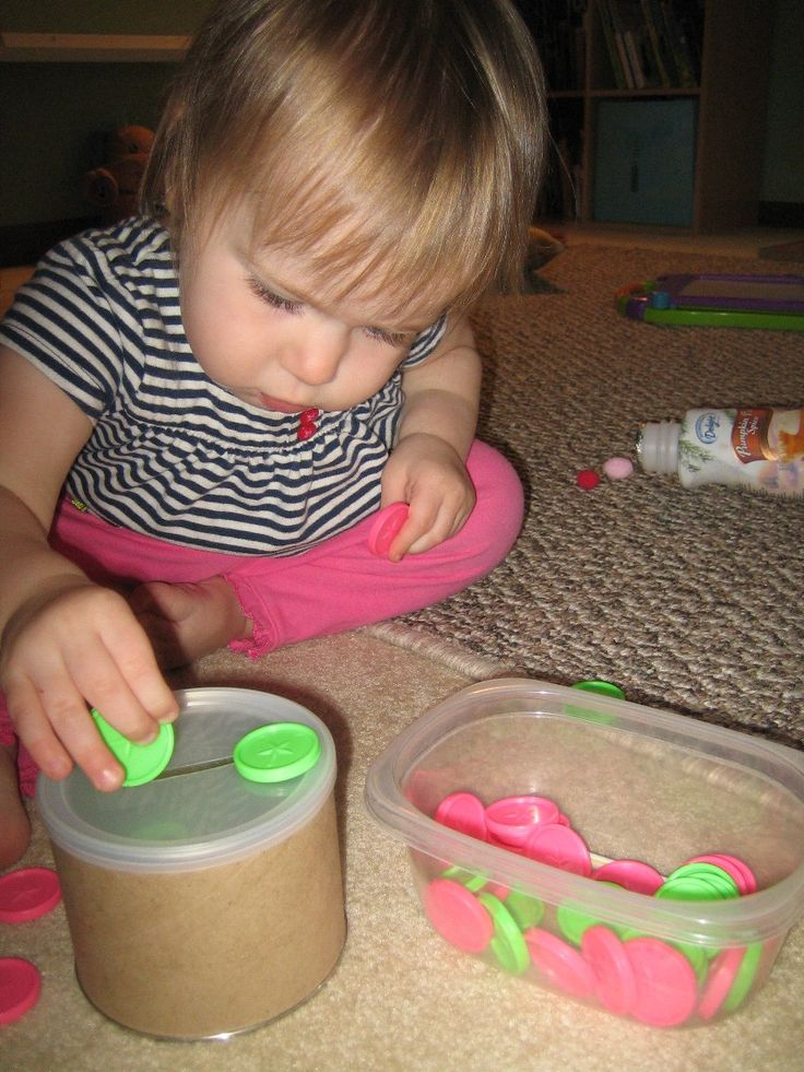 Activities to keep a 1 year old busy while mom is busy.