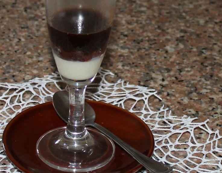 Il cioccolato kinder incaffettato è un dessert, un energizzante, una crema. Un pò tutto.Rapido, forte, deciso.