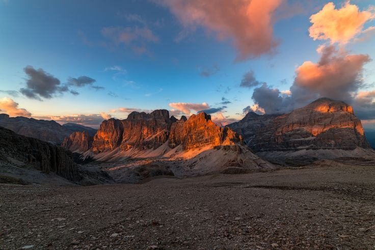 Tofane at sunset - One of the most beautiful Dolomites group taken during a nice…
