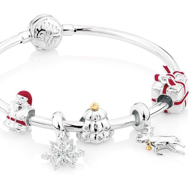 Discover our limited edition Christmas charms and celebrate the season with a piece that reflects you! #emmaandroe #christmas