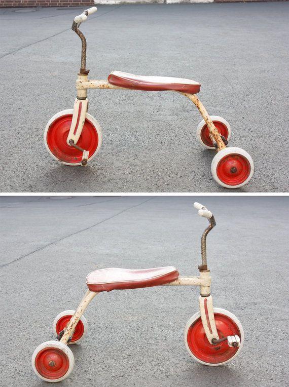 Altes Dreirad vintage Kinderdreirad Spielzeug von wohnraumformer