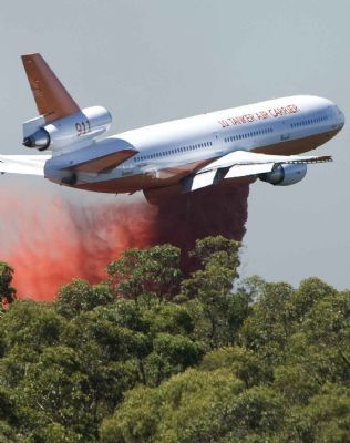 DC-10 fire bomber