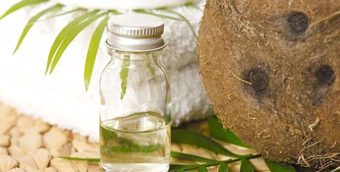 L'huile de noix de coco: un produit miracle? L'huile de noix de coco a des propriétés excellentes pour le corps humain : elle est naturellement anti