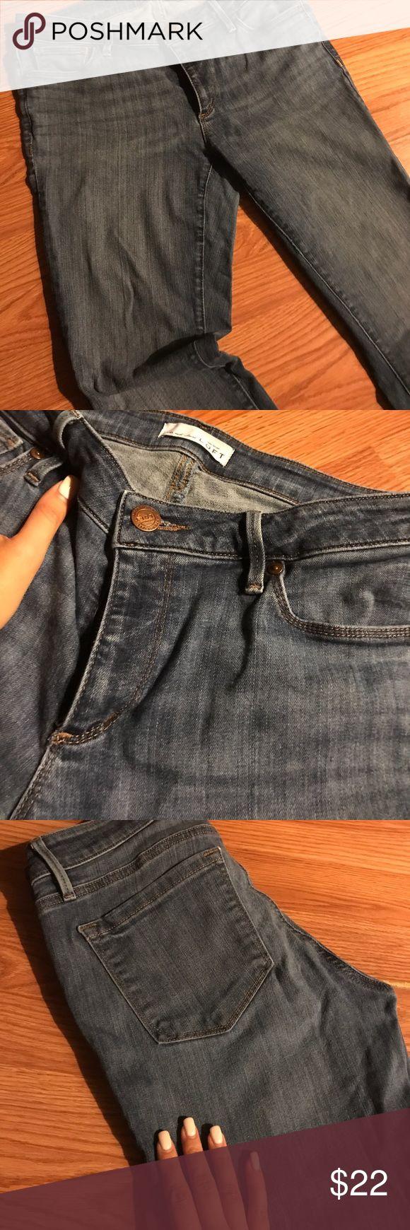 Blue jeans on sale! Super discount Ann Taylor - Loft size 27 beautiful classic denim color LOFT Jeans Skinny