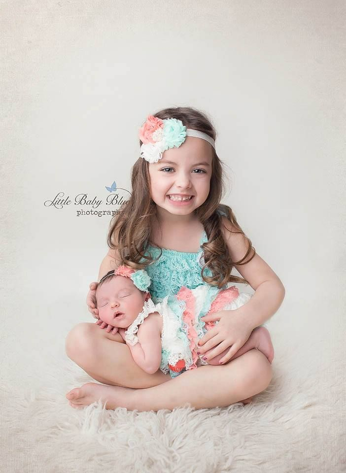 Love this big sister little sister portrait!!