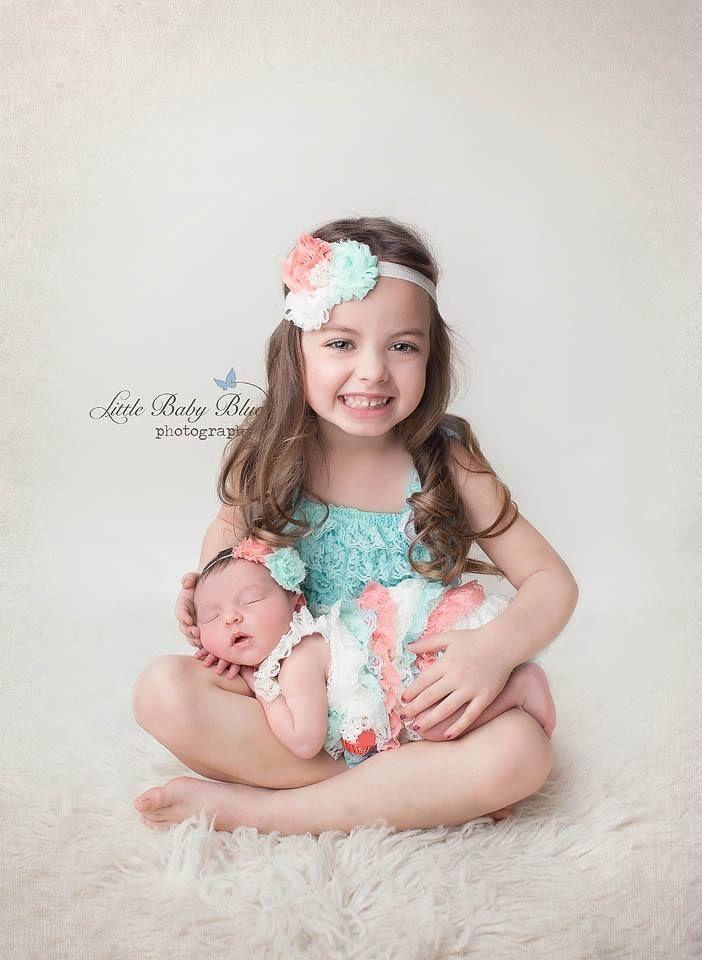 Love this big sister little sister portrait!!
